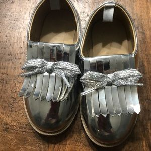 Girls silver shoes with flap
